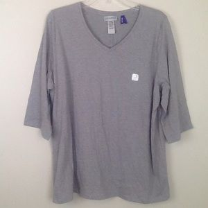 Catherine's grey v-neck with 3/4 sleeve/gold studs